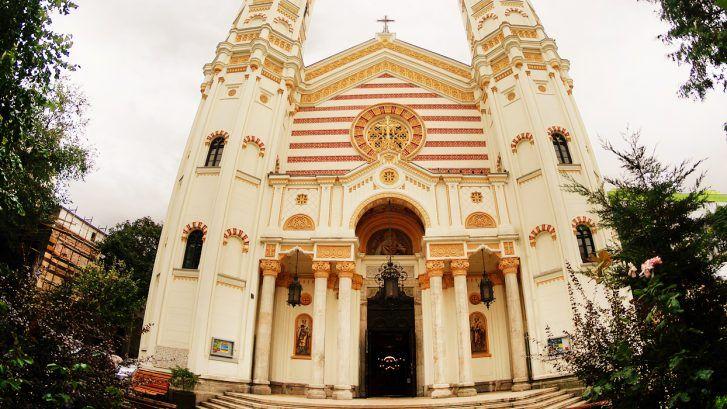 biserica sf spiridon bucuresti 727x409 - Biserici din Bucuresti