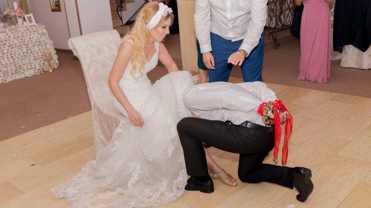 cele-mai-haioase-traditii-romanesti-de-nunta-750x422 Blog